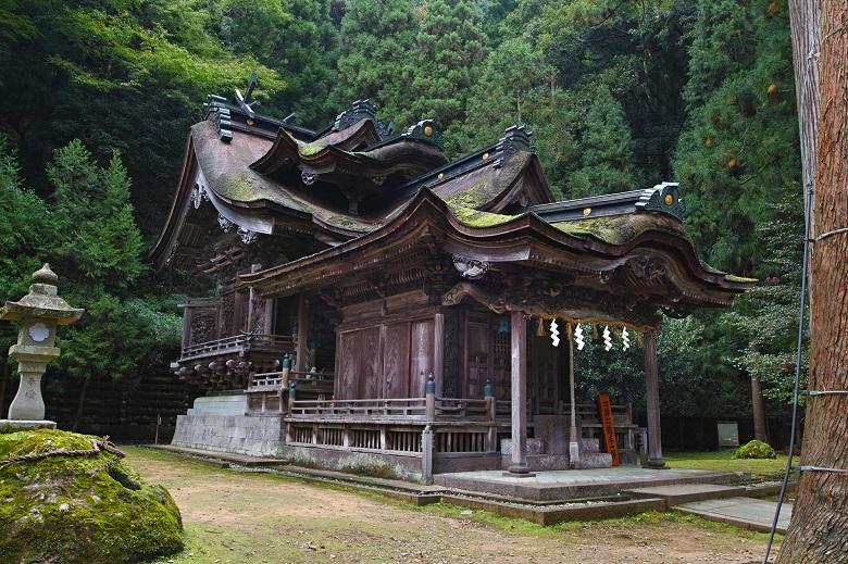 大瀧神社(岡太神社)複合社殿 本殿・拝殿